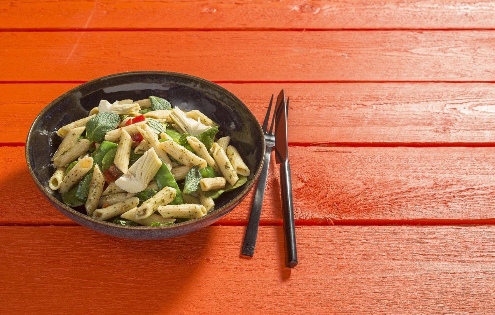 Salade Pasta Pesto met artisjok